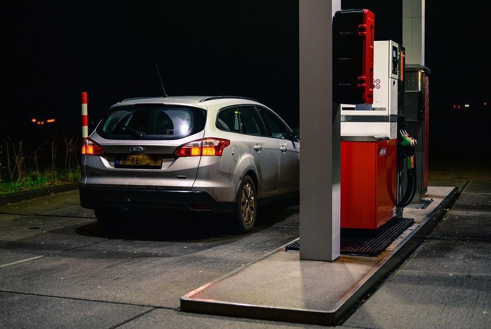 ceny-benzinu-na-islandu